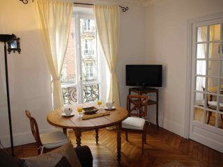 Beautiful 2 Bedroom 55 sqm in the Batignolles area, 17th District