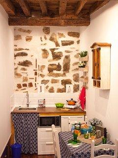 Alojamiento perfecto para parejas en el centro de Arévalo.Mini-cocina,baño, wifi,tv smart. Intimidad
