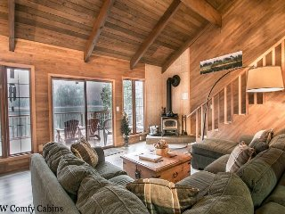Fish Lake retreat-On Fish Lake, private dock, Wi-Fi, a reel fisherman's cabin