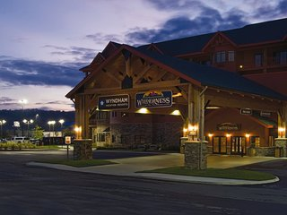 Wyndham Great Smokies Lodge in a 2 Bedroom
