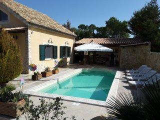 Cozy Villa with pool near the beach of Selinunte