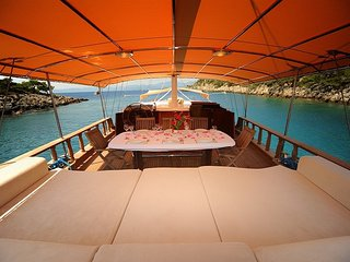 Platin Yachting Yacht Charter in Turkey TR003