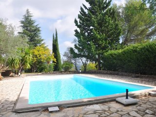 Villa with HEATED pool & AIR CON, tropical gardens laid by Parisian gardeners
