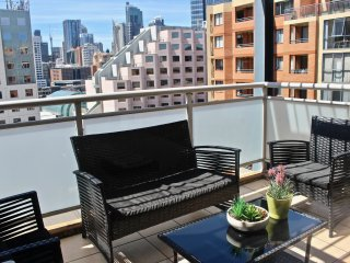 Great 3 Bedrooms Apt Darling Harbour. Free Parking (19)