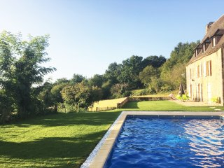 SOUS LE BOUSQUET: SUPERIOR STONE PROPERTY WITH HEATED POOL, AC, GARDEN & VIEWS