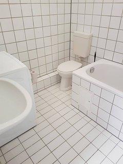 1 Zimmer Whg ,voll möbiliert ,Küche, Bad, Internet ,Kabel Fernsehen,