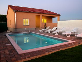 Chariming new house with pool
