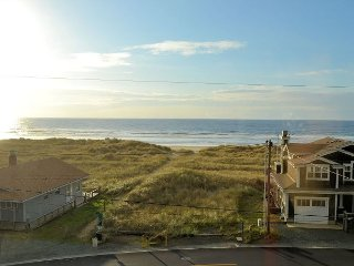 Serenity by the Sea~NEW LISTING! Spectacular views across from the beach!