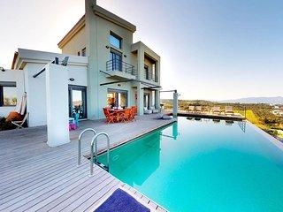 Paradise VIP Villa, 350m From Stalos Beach Chania