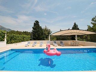 VILLA PROVOS, 3 bedrooms, sauna, 40 sqm pool, 200m from local restaurant !