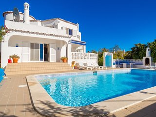Casa Pazovida, 3 Bedroom Villa With Heated Pool Walking Distance From Carvoeiro