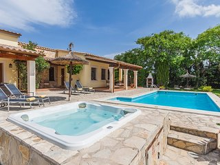 Catalunya Casas: Villa Fanta for 4 guests only 10 min from the historic old town