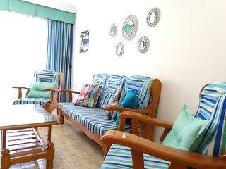 Bonito apartamento a 40m de la Playa de Gran Taraj