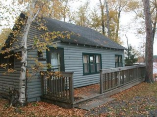 Bayview Fireside Cabin on Lake Vermilion - Year Round Fun and Pet Friendly