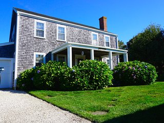 11 Everett Lane, Siasconset, MA
