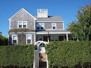 3 Gardner Perry Lane, Nantucket, MA