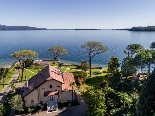 Villa Belvedere - wonderful lakefront villa with private beach