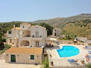 Villa with magnificent vies over Kassiopi village and Albania