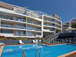 46 'Cote D'Azur' 61 Donald Street - beautiful three bedroom unit in the heart of
