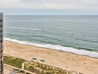 Cozy, oceanfront condo w/ shared pools, sauna, tennis & fun-filled game room