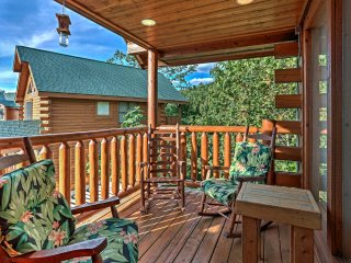 NEW! 3BR Cabin w/Hot Tub Mins to Pigeon Forge Pkwy