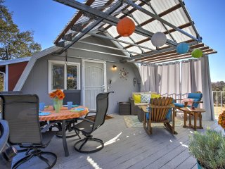 NEW! 1BR Mariposa Home w/ Deck & Sierra Mtn Views!