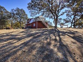 NEW! 1BR Mariposa Home w/ Deck & Sierra Mtn Views!