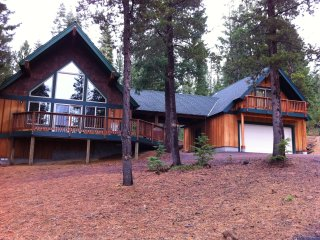 Mtn. Views: Perfect Cabin Retreat 4-bdr/3-bath