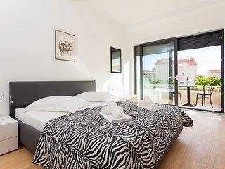 Luxury Apartment 03 Podstrana