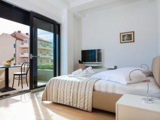 Luxury Apartment 02 Podstrana