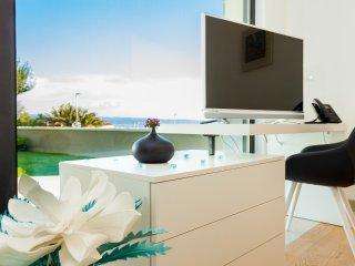 Luxury Apartment 01 Podstrana