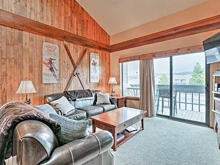 NEW! Cozy 3BR Fraser Condo w/Amenities & Mtn Views!