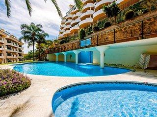 Aloha 2 - Elegant 3BR Duplex in Puerto Banus