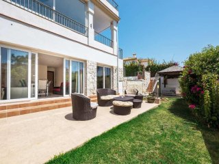 Castillo Nuevo - Exceptional 6BR 6BA Modern Villa with Stunning Sea Views
