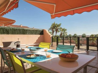 Alta Loma 3- Elegant 2BR Sea View Apartment with Garden, Heated Pool