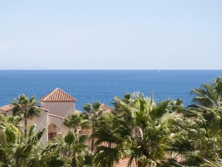 Cosy Apartment with Big Terrace, Heated Pool - Club La Costa