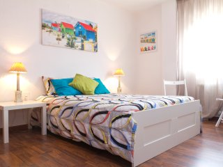 VistaMar Holidays- Double Room, Private Bathroom, incl breakfast!