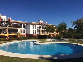 Golf y Playa en el Algarve espanol. Playas de ensueno en un apartamento de lujo