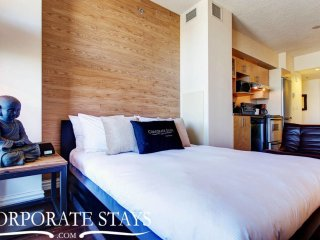 Elegant Studio * Downtown Montreal Great Location