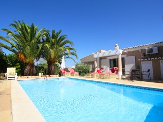 Villa with private pool close to the beaches and Carvoeiro center