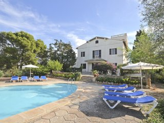 SON GRANADA - spacious country house with swimming pool for 12 people
