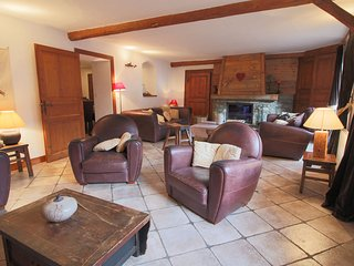 Grand et authentique Chalet au Coeur du village des Allues 16 PAX