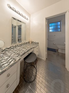 Beautiful second bathroom with large vanity!