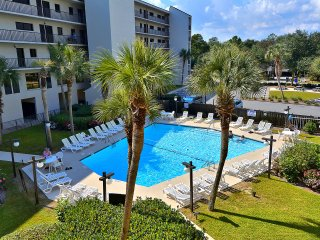Litchfield Retreat Unit 305 - 2 Bedroom Condo across from the Beach