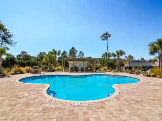 ALL-INCLUSIVE RATES! Avian Forest 4 Bedr Condo access to Litchfield by the Sea