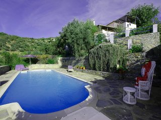 CHARMING, TRADTIONAL VILLA WITH MAJESTIC SEA VIEWS, SECLUDED LUXURY POOL, WIFI