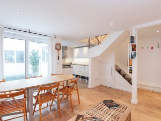 Recently refurbished 2-bed flat in Fulham