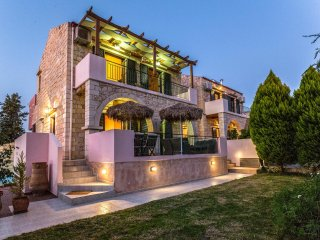 Fantasia Villa 200m from Stalos Beach, Chania
