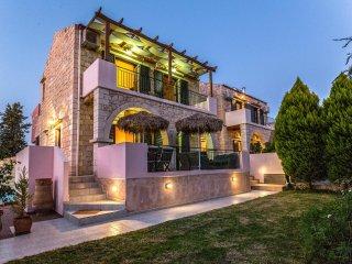 Fantasia Villa 200m from Beach, Chania