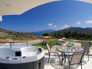 Relaxing Villa with private swimming pool and amazing sea view